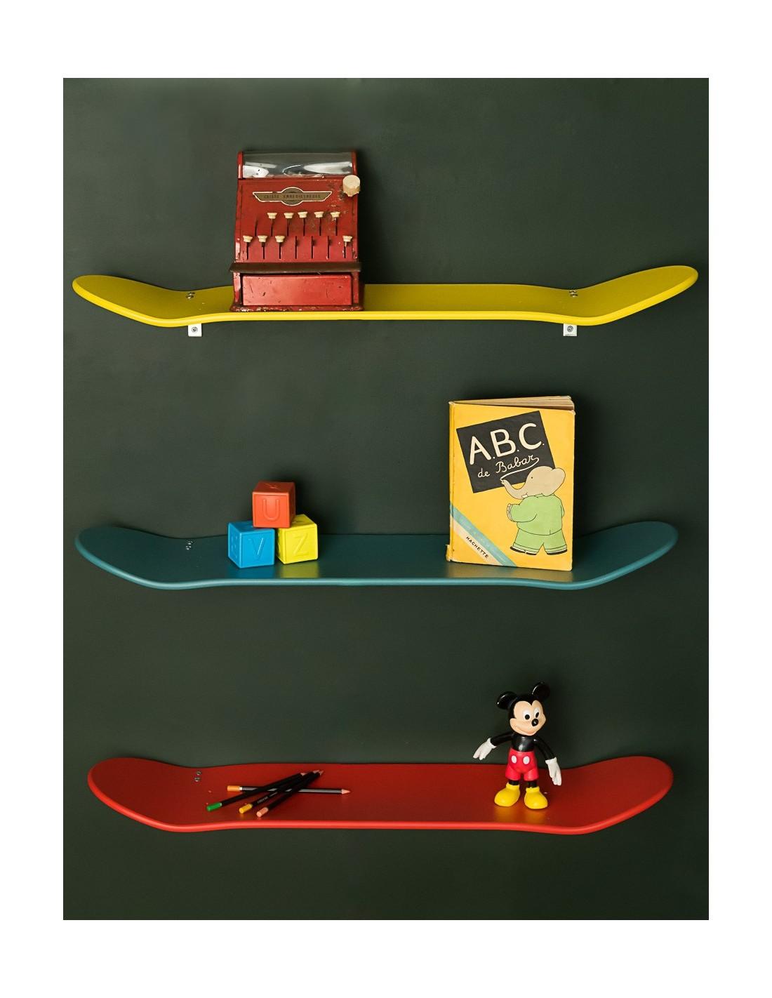 etag re murale skate board rouge le ons de choses. Black Bedroom Furniture Sets. Home Design Ideas